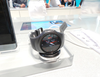 Samsung Gear S2: la video anteprima da IFA 2015