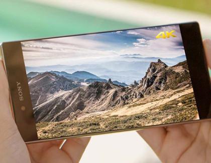 Xperia Z5 Premium e l'iPhone 6s Plus: display a confronto