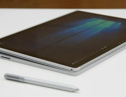 Il Surface Book utilizzato da un artista di fumetti | video