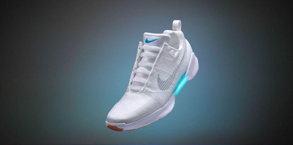 Nike ha appena presentato le prime scarpe autoallaccianti