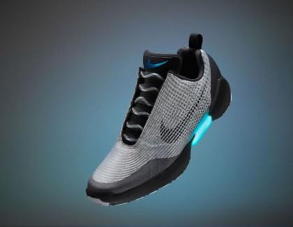 Nike ha presentato le prime scarpe autoallaccianti