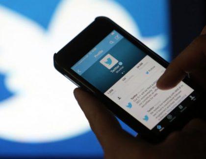 Codici QR su Twitter per condividere contatti su Android e iOS