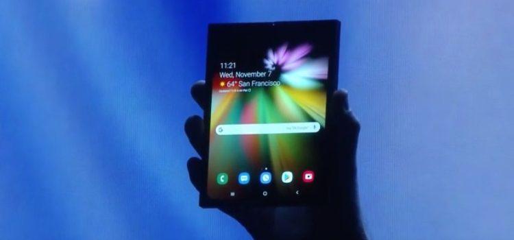 Samsung mostra l'Infinity Flex Display, primo device con display pieghevole
