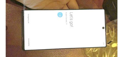 Galaxy Note 10+ apparso in nuove foto dal vivo, fatte con un iPhone XR 2019