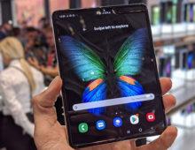 Galaxy Fold si aggiorna: funzioni Fotocamera di S10 e Note 10 e patch di ottobre