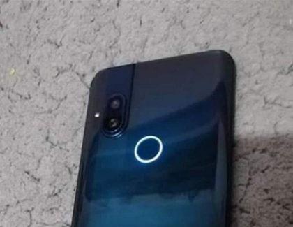 Motorola One Pop Up: altro smartphone con fotocamera a scomparsa | foto dal vivo