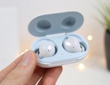 Aggiornamento Galaxy Buds: diventano più stabili e scompare il segnale acustico