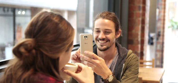 LG X Cam, smartphone con doppia fotocamera, arriva anche in Italia