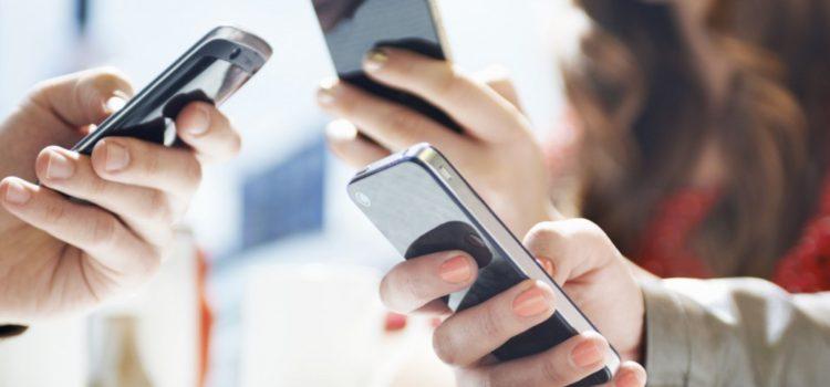 Gli smartphone sono i dispositivi più inquinanti, secondo un recente studio